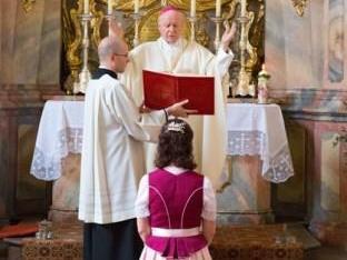 Jungfrauenweihe in der Marienkappelle des Hohen Domes zu Augsburg