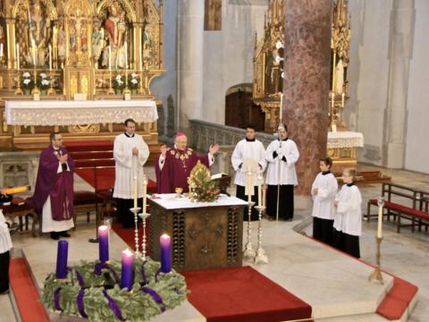 85. Jahrestag der Heiligsprechung Alberts des Großen von Lauingen - feierliches Pontifikalamt im Lauinger Martinsmünster