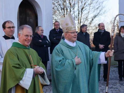Pater Bernhard mit Bischof Konrad Zdarsa