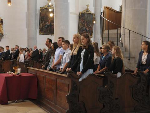 42 Lauingen Jugendliche empfingen das heilige Sakrament der Firmung