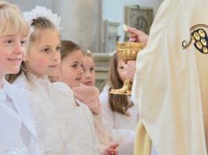 Erstkommunion im Martinsmünster gefeiert