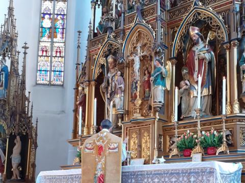 Ostermontag - am Hochaltar des Münsters