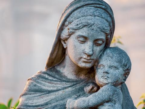 Gruß zum Marienmonat Mai von Herrn Pfarrer Quintero