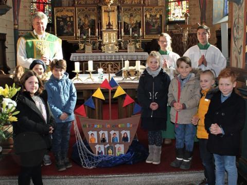 Vorstellung der Erstkommunionkinder in St. Silvester, Mittelstetten