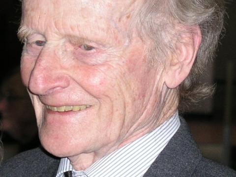 """Prof. Dr. Robert Spaemann referierte zum Thema: """"Hirnforschung und christliches Menschenbild. Eine hermeneutische Auseinandersetzung""""."""