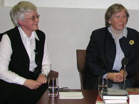 Die Referentinnen: Sr. Ursula Dirmeier CJ, Bamberg, und Prof. Dr. Hanna-Barbara Gerl-Falkovitz von der TU Dresden.