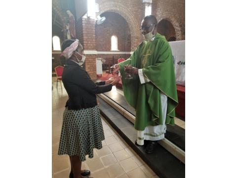 Pater Dan in Uganda