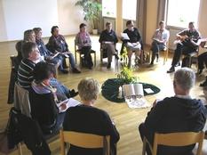Die Bibel ist im Mittelpunkt von KCG-Gruppen -weltweit