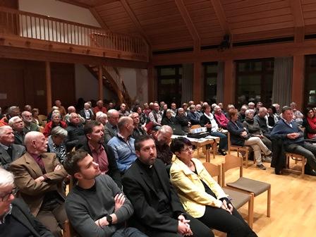 Zur Veranstaltung im Nördlinger Pfarrzentrum kamen über 100 Zuhörer