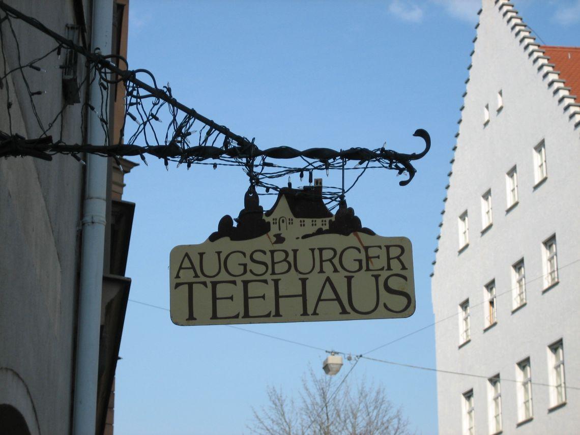 Das Augsburger Teehaus in der Heilig-Kreuz-Straße