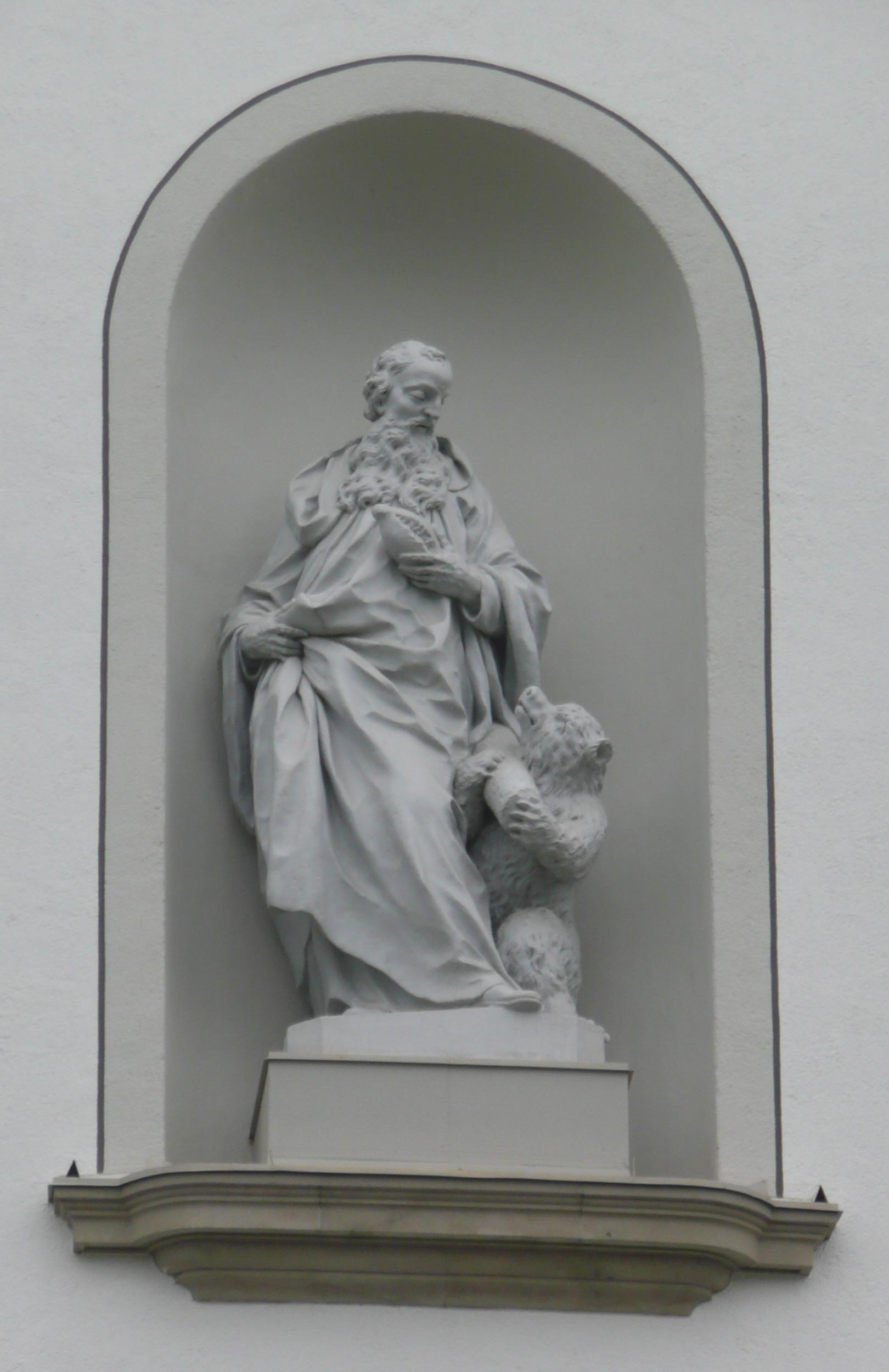 Statue von Johann Christian Wentzinger an der Stiftskirche St. Gallen, um 1760