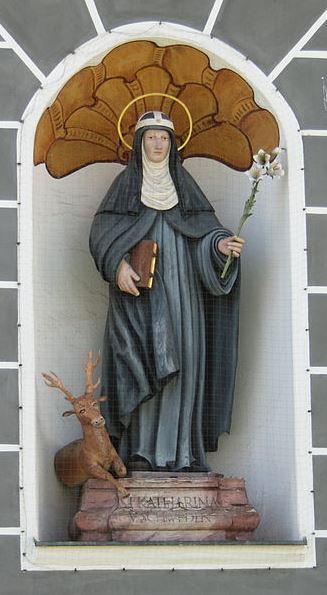 Figur der hl. Katharina am Kloster Altomünster. Foto: GFreihalter (CC BY-SA 3.0)