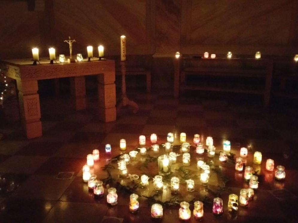 """""""Advent der Lichter"""" in der Kalverienbergkapelle im Dekanat Marktoberdorf (Foto: KLB)"""
