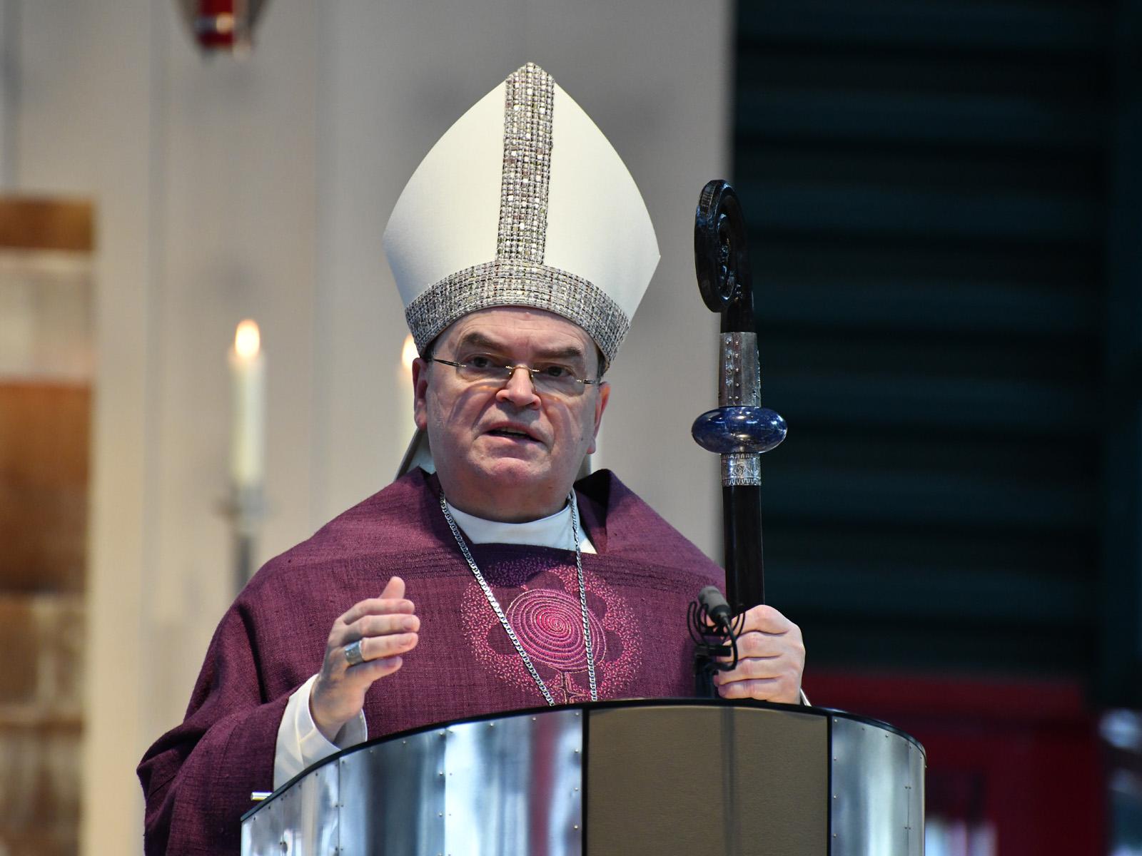 Bischof Bertram bei der Predigt zum Elendssonntag in Wigratzbad (Foto Julian Schmidt_pba) DSC_4222