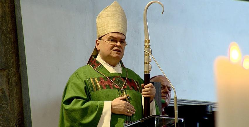 Boxbild Bischofspredigt Domkapitel