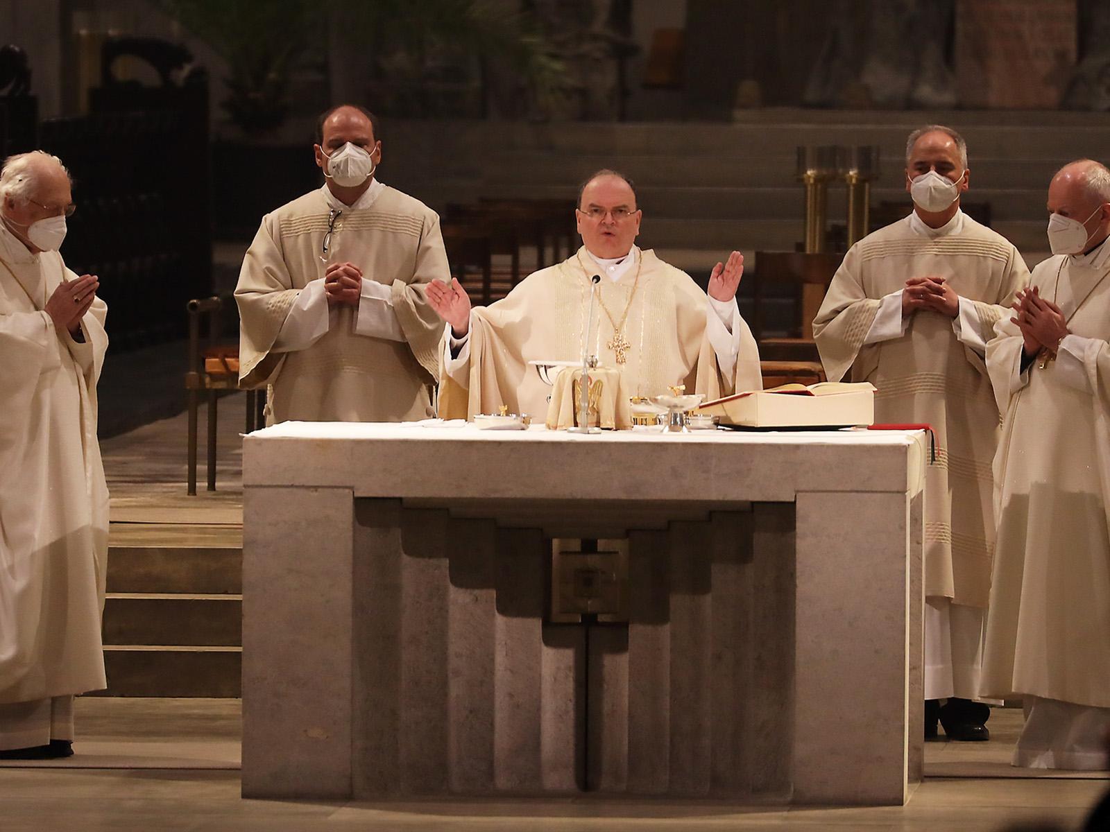 """""""Das ist heute"""": Bischof Bertram feiert das Gedächtnis des Letzten Abendmahls (Foto: Annette Zoepf / pba)"""