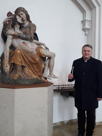 Dekan Straub Pieta web