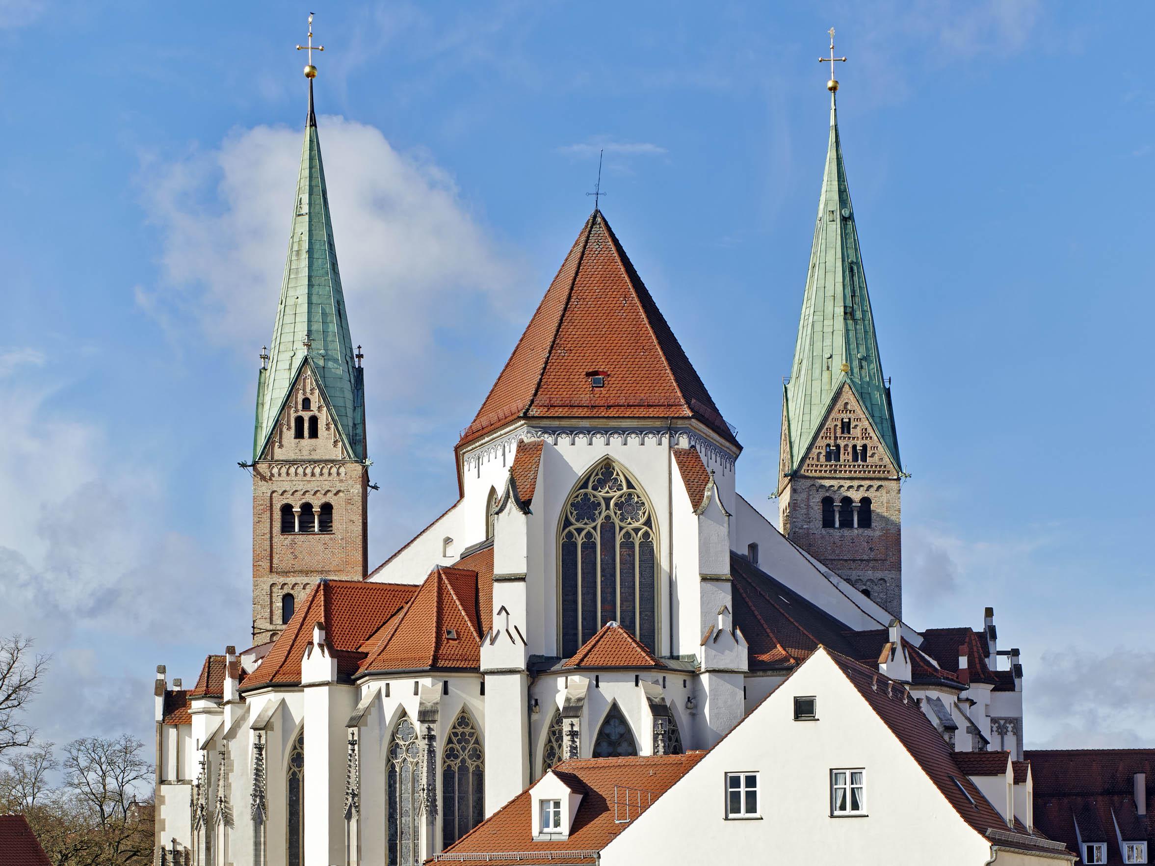 Im Gebet verbunden, auch wenn derzeit keine öffentlichen Gottesdienste u.a. im Hohen Dom stattfinden können. (Foto: Siegfried Wameser)