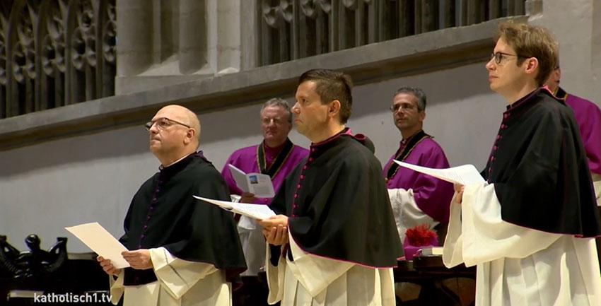 Neue Domvikare eingeführt (Foto katholisch1tv)