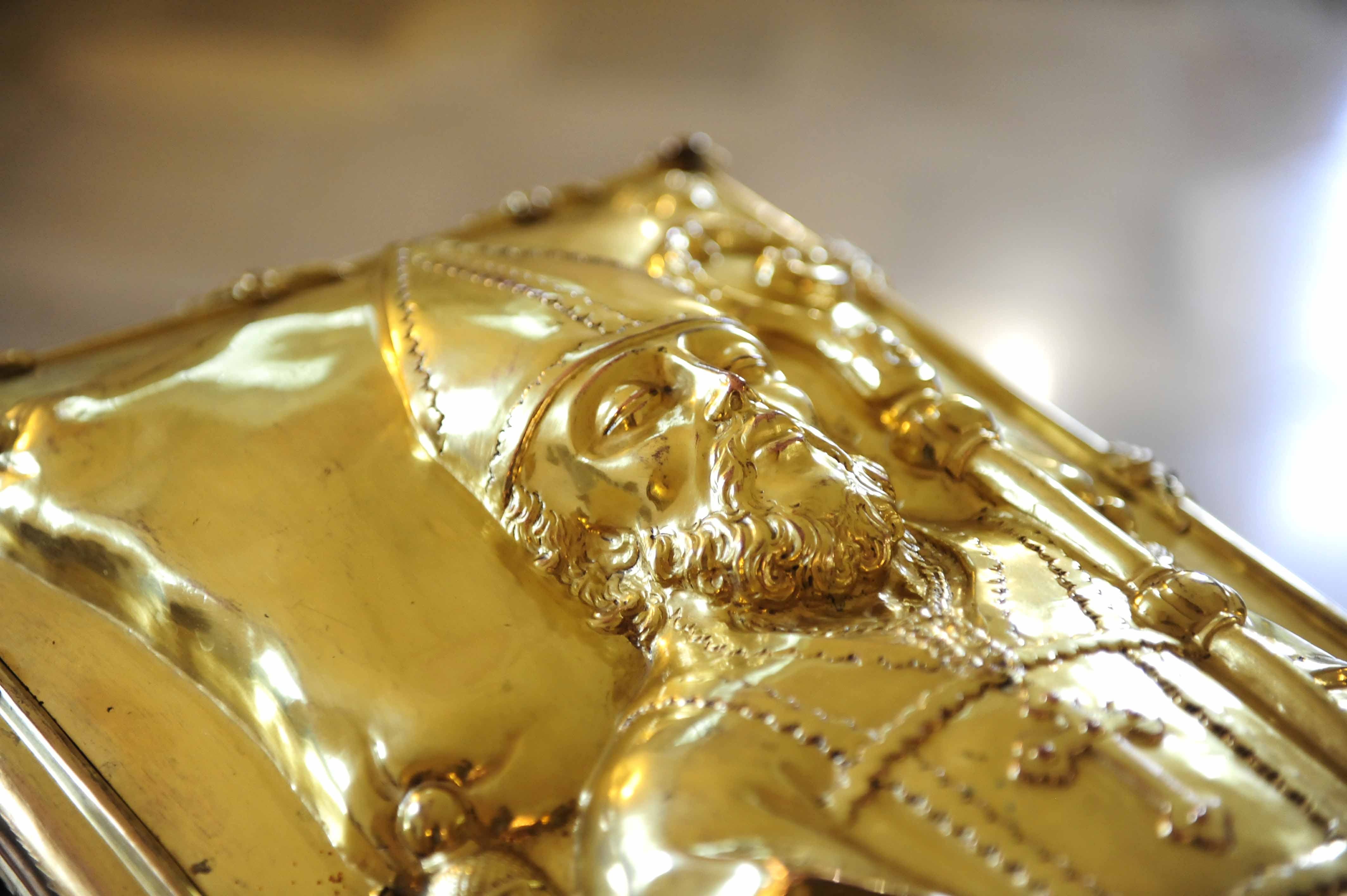 """Die Gebeine des hl. Ulrich ruhen in dem sogenannten Ulrichsschrein, der jedes Jahr um den 4. Juli während der """"Ulrichswoche"""" zur Verehrung ausgesetzt wird (Foto: Nicolas Schnall / pba)"""