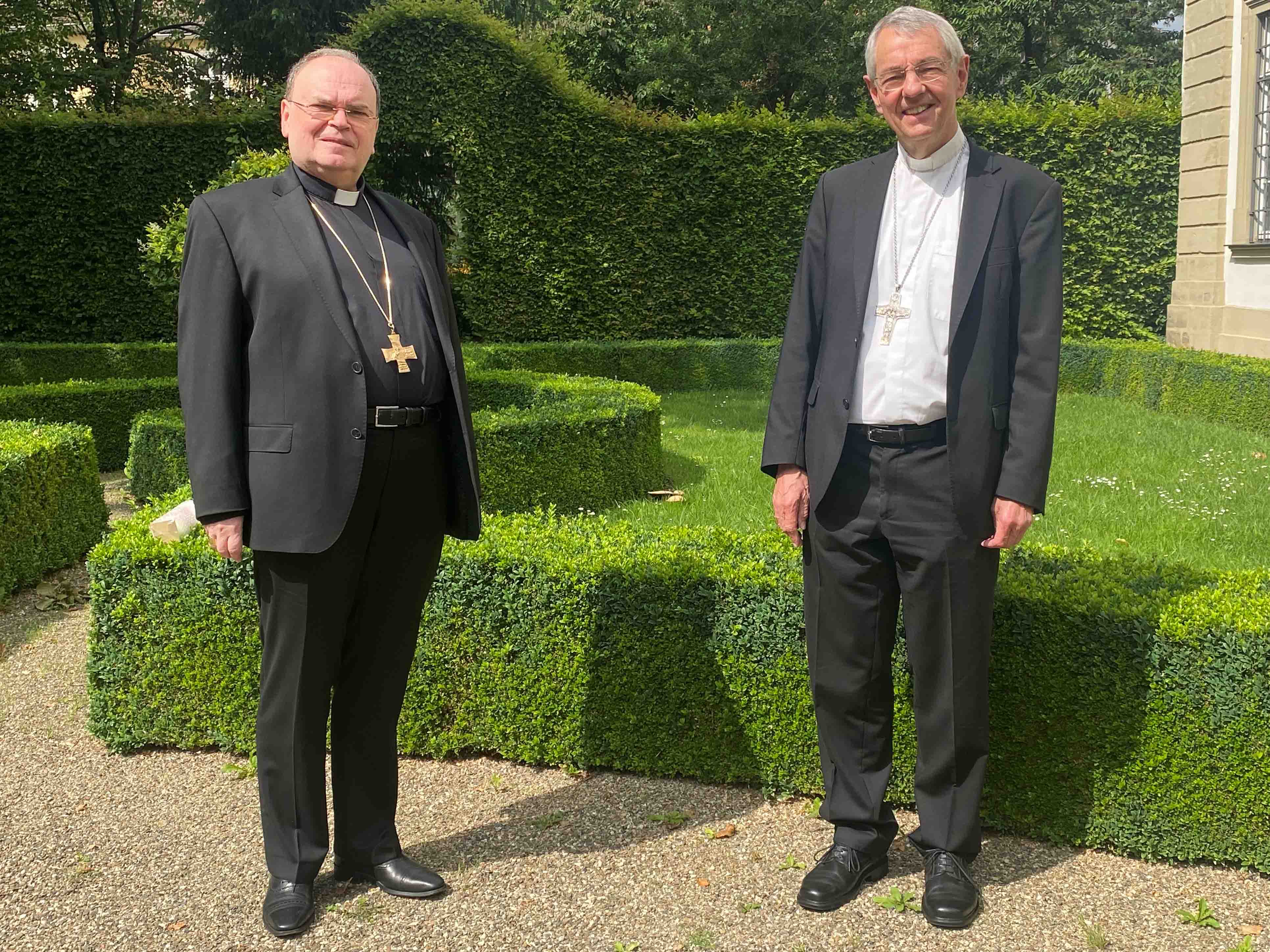 Gedankenaustausch in Bamberg: Bischof Dr. Bertram Meier trifft Erzbischof Dr. Ludwig Schick. (Foto: Pressestelle Erzbistum Bamberg / Harry Luck)