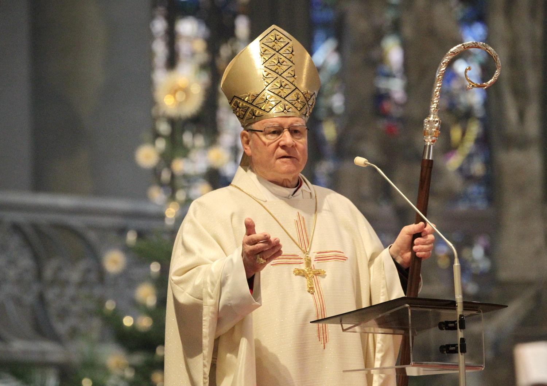 """""""Für die Frage, wie man Gott erkennen kann, braucht es vielleicht ein ganzes Leben"""": Bischof Dr. Konrad Zdarsa heute während der Predigt im Hohen Dom zu Augsburg. (Fotos: Annette Zoepf/pba)"""