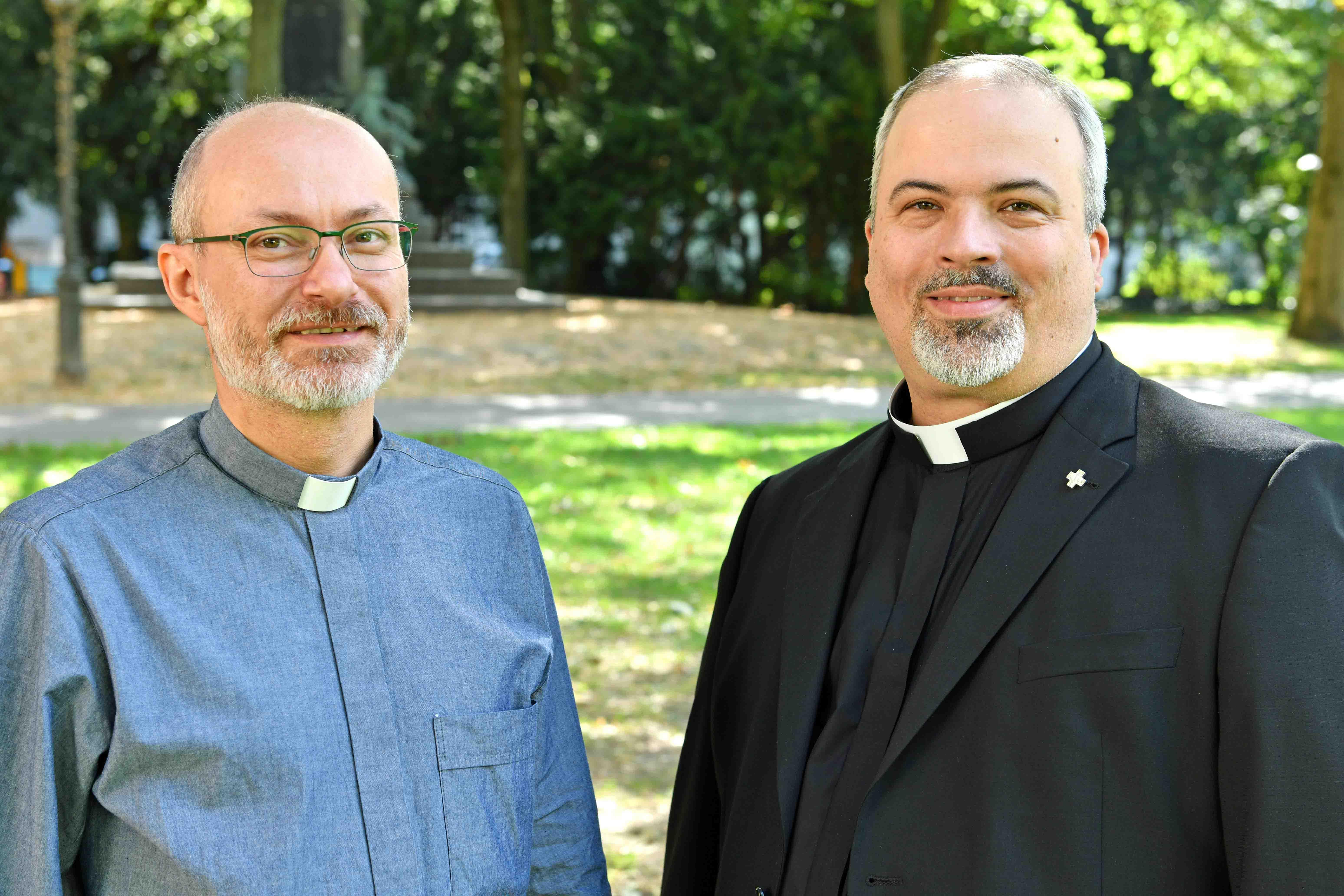 (v.l.) Diakon Andreas Theurer und Diakon André Schneider. (Foto: Nicolas Schnall / pba)
