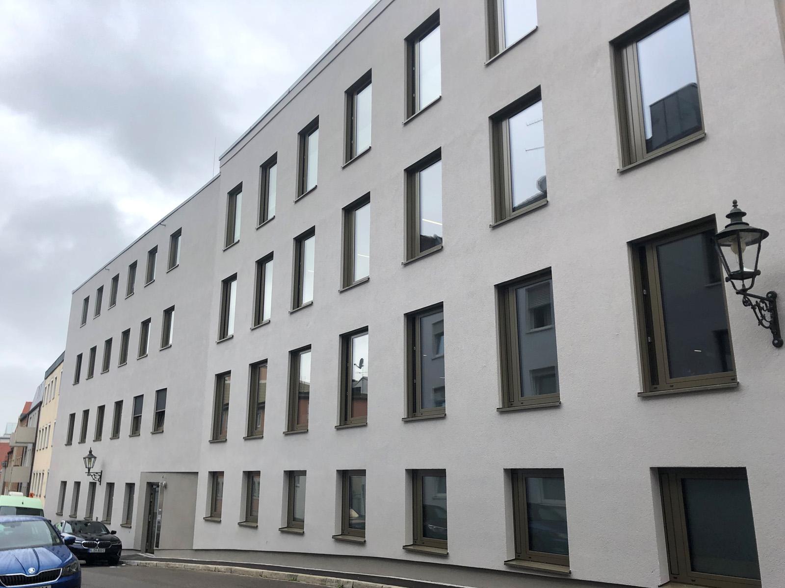 Das neue Bürogebäude am Schmiedberg, vom Mauerberg aus fotografiert (Fotos: Julian Schmidt / pba)