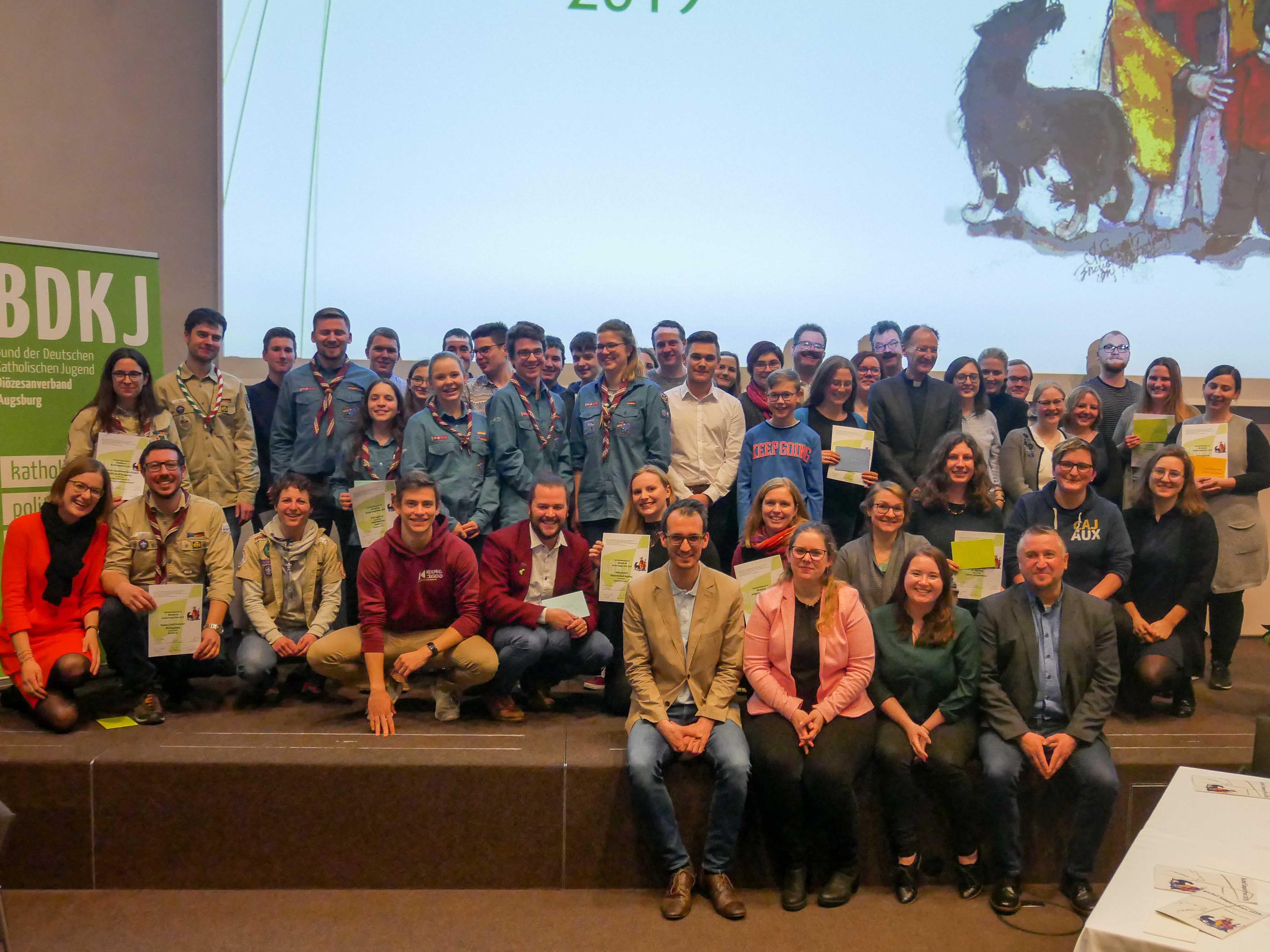 Diese fünfzehn Gruppen haben Projekte für den Bischof-Simpert-Preis eingereicht. Gewonnen hat das Café Schülertreff. (Foto: BDKJ)