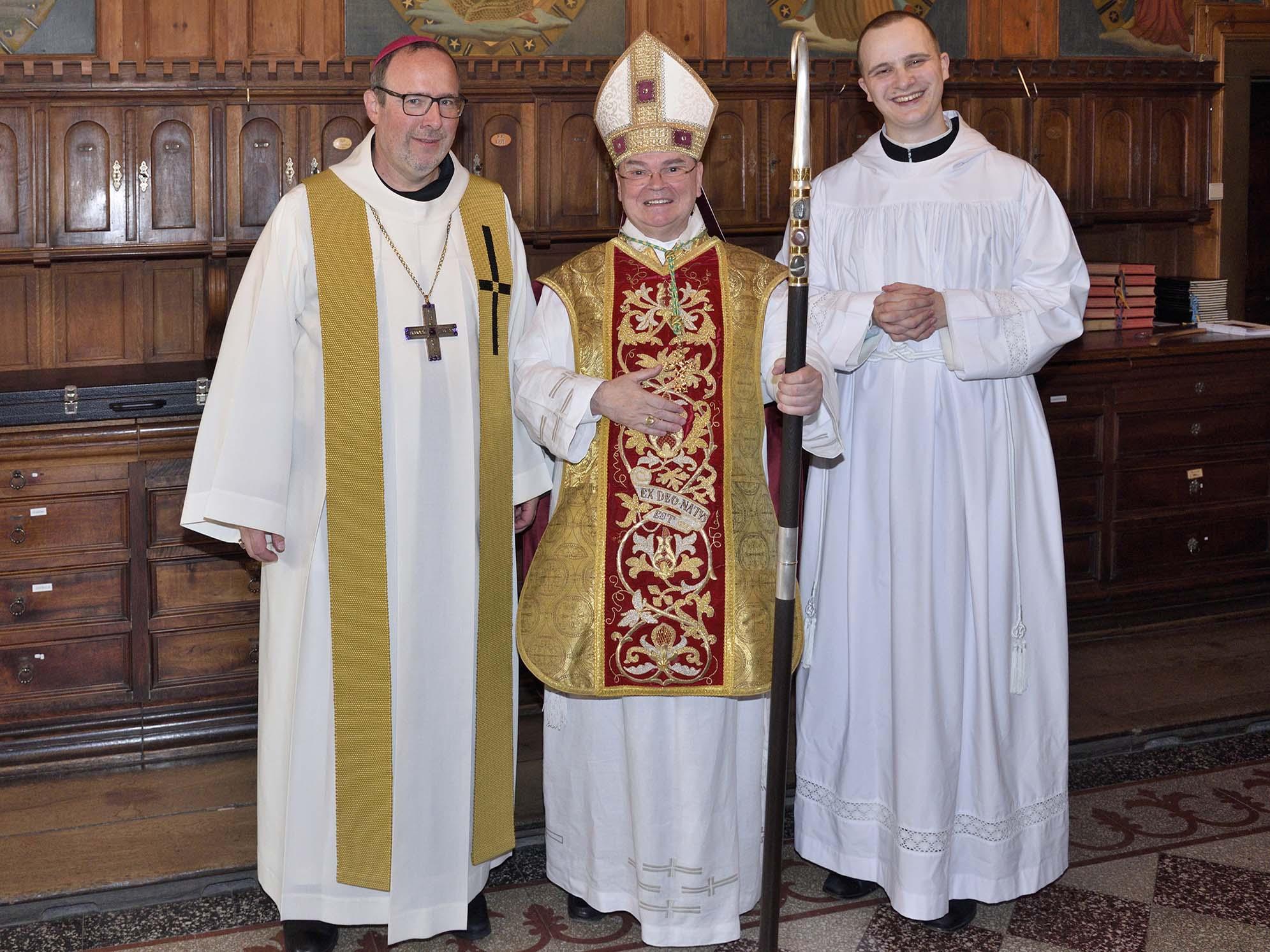 Am Hochfest Mariä Himmelfahrt weihte Bischof Bertram den Zisterzienser Fr. Maurus Korn im Kloster Wettingen-Mehrerau (Österreich) zum Diakon. (Fotos: Zisterzienserabtei Wettingen-Mehrerau)