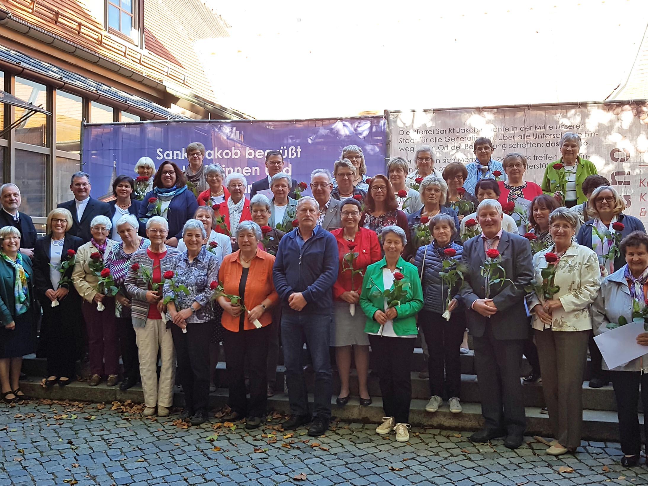 Die Sammlerinnen und Sammler geben der Caritas ein Gesicht und helfen ihren Pfarrgemeinden, dem Caritasverband für den Landkreis Aichach-Friedberg e. V. sowie dem Diözesan-Caritasverband verschiedenste Hilfen leisten zu können. (Foto: Caritas Augsburg / Bernhard Gattner)