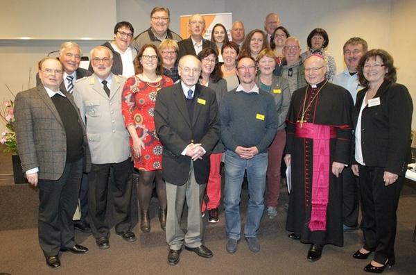 Bei der Vollversammlung des Diözesanrats wurden etliche Mitglieder, die aus diesem Gremium ausscheiden, von Bischof Dr. Konrad verabschiedet. (Foto: Annette Zoepf/pba)