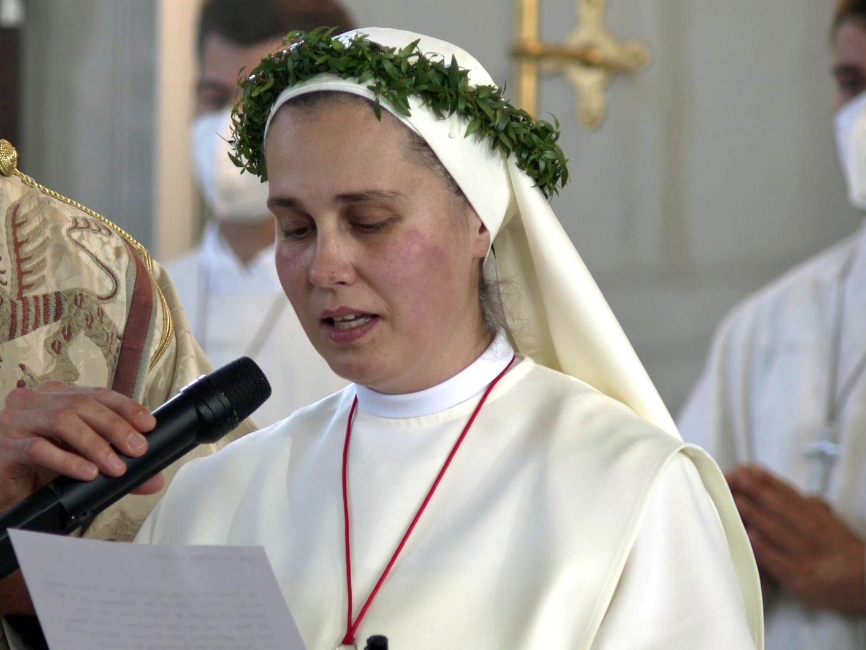 Schwester Annabell bindet sich durch ihr Versprechen auf Lebzeit an die Gemeinschaft der Schwestern vom Barmherzigen Jesus. (Bilder: k-tv)