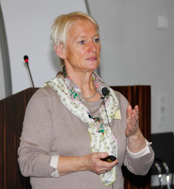Dr. Elisabeth Wienemann von der Universität Hannover. (Foto: Bernhard Gattner / Caritas Augsburg)