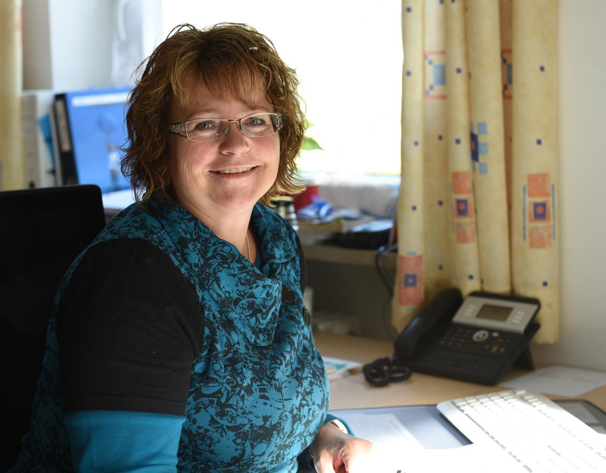 Seit 23 Jahren Pfarrsekretärin: Susanne Berktold aus Murnau. (Foto: Maria Steber / pba)