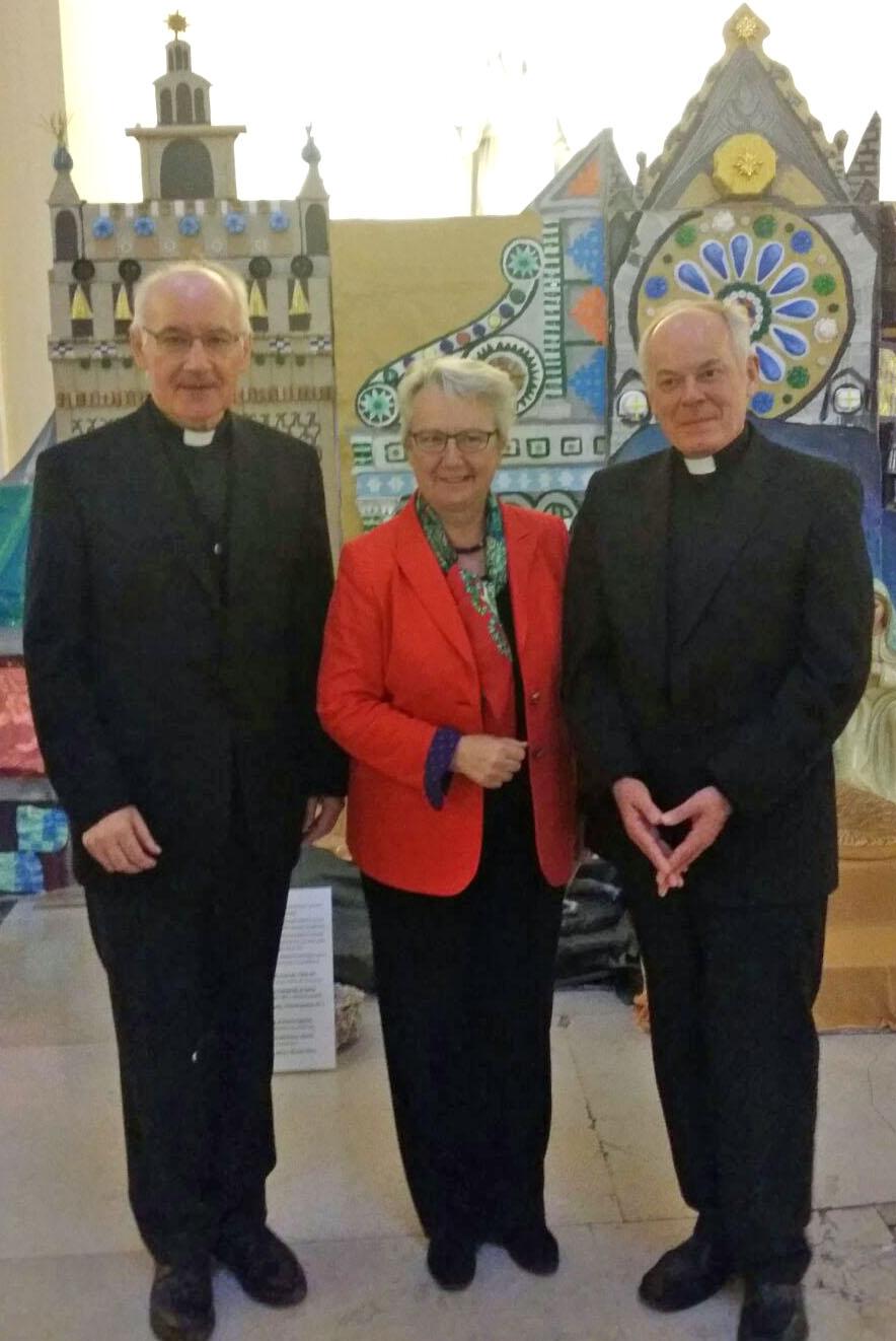 (v.l.) Prälat Dr. Eugen Kleindienst, Botschafterin Annette Schavan, Weihbischof Dr. Dr. Anton Losinger. (Foto: privat)