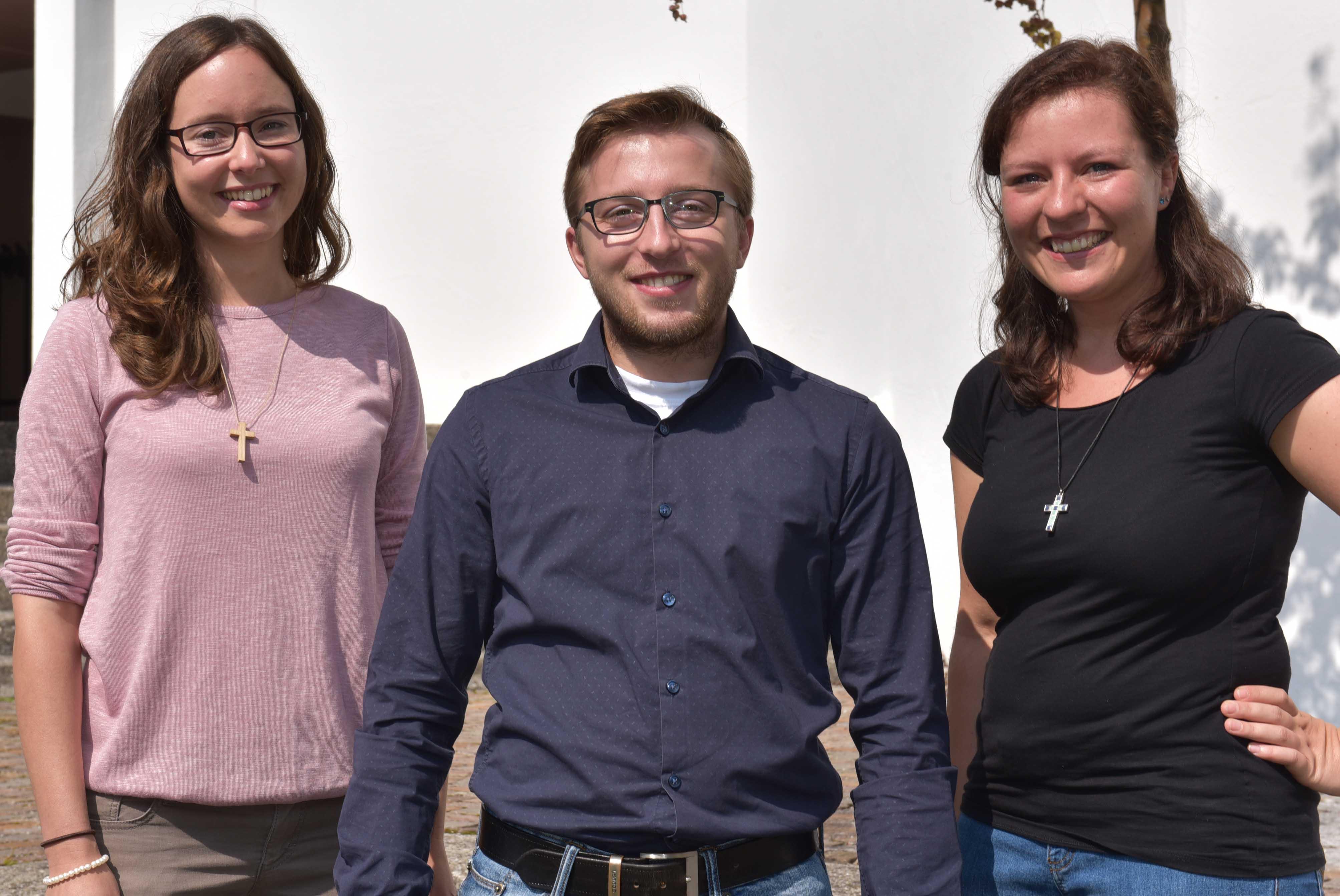 In die Berufseinführung gestartet sind auch drei neue Gemeindeassistent/-innen: Julia Meichelböck, Martin Mayer, Marina Mayr (Foto: Maria Steber / pba).