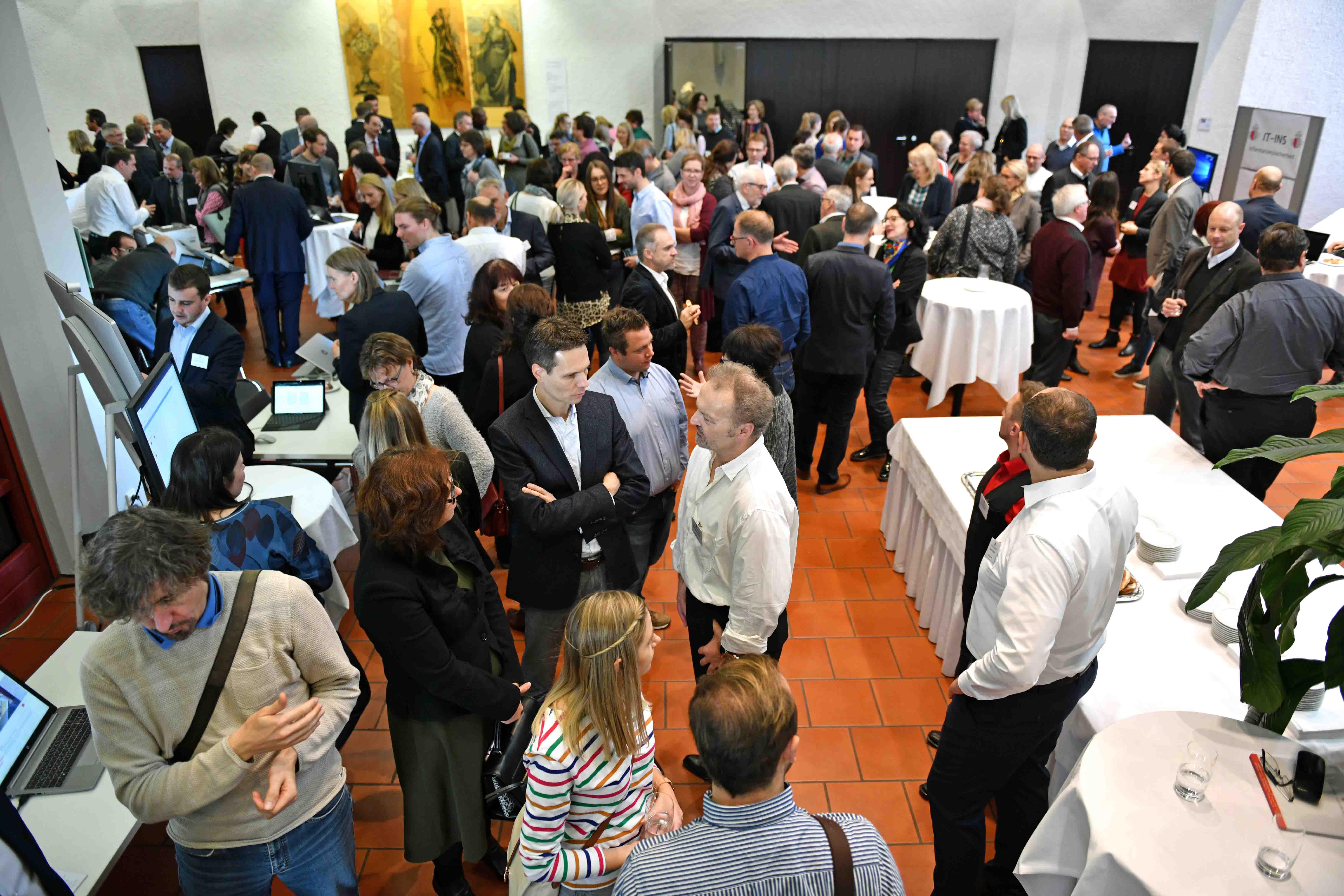 Mehr als 150 Menschen kamen zum ersten IT-Tag ins Haus St. Ulrich.