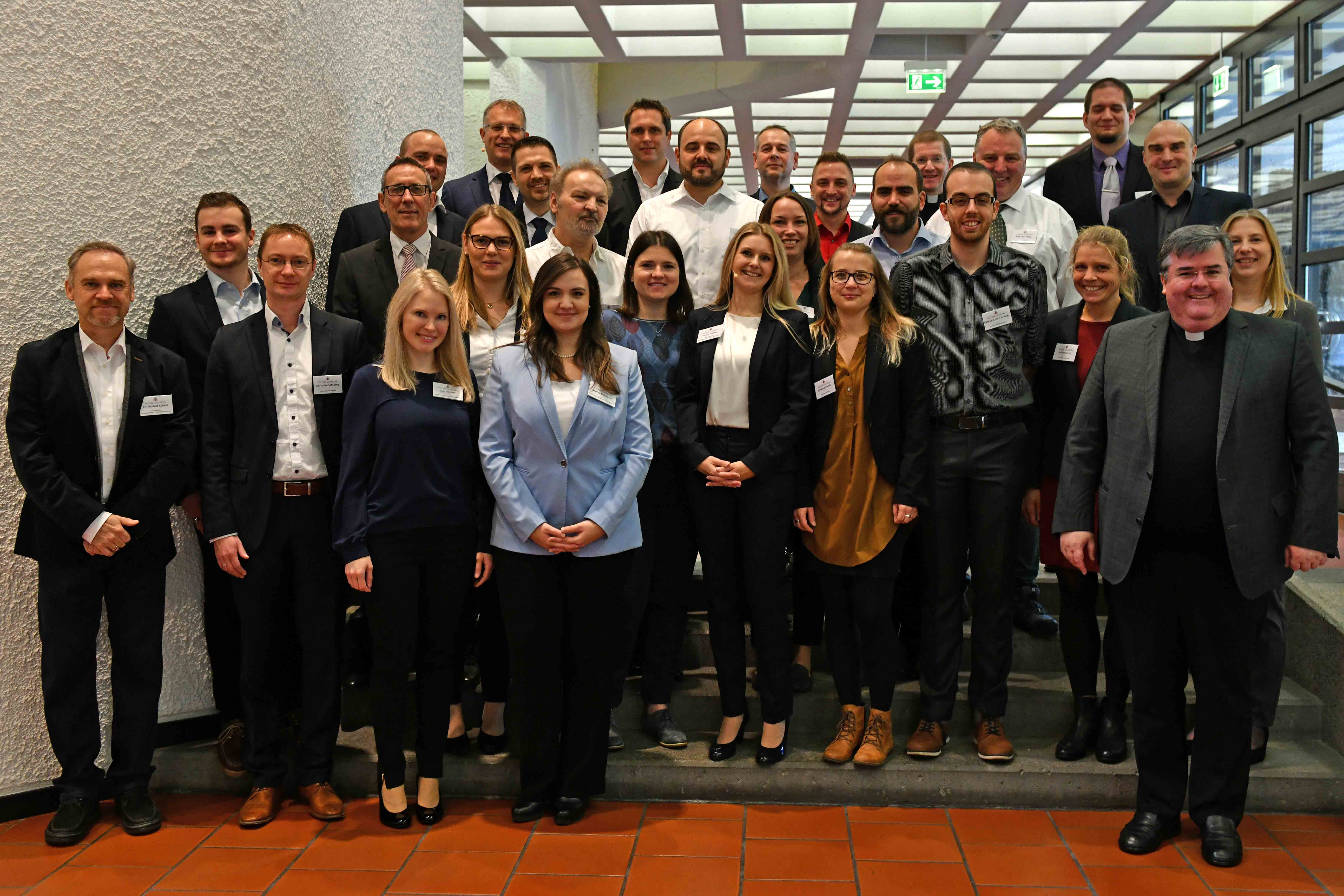 Die Stabsabteilung IT und Digitalisierung stellt sich vor (mit auf dem Bild: Domkapitular Harald Heinrich und Domvikar Martin Riß).