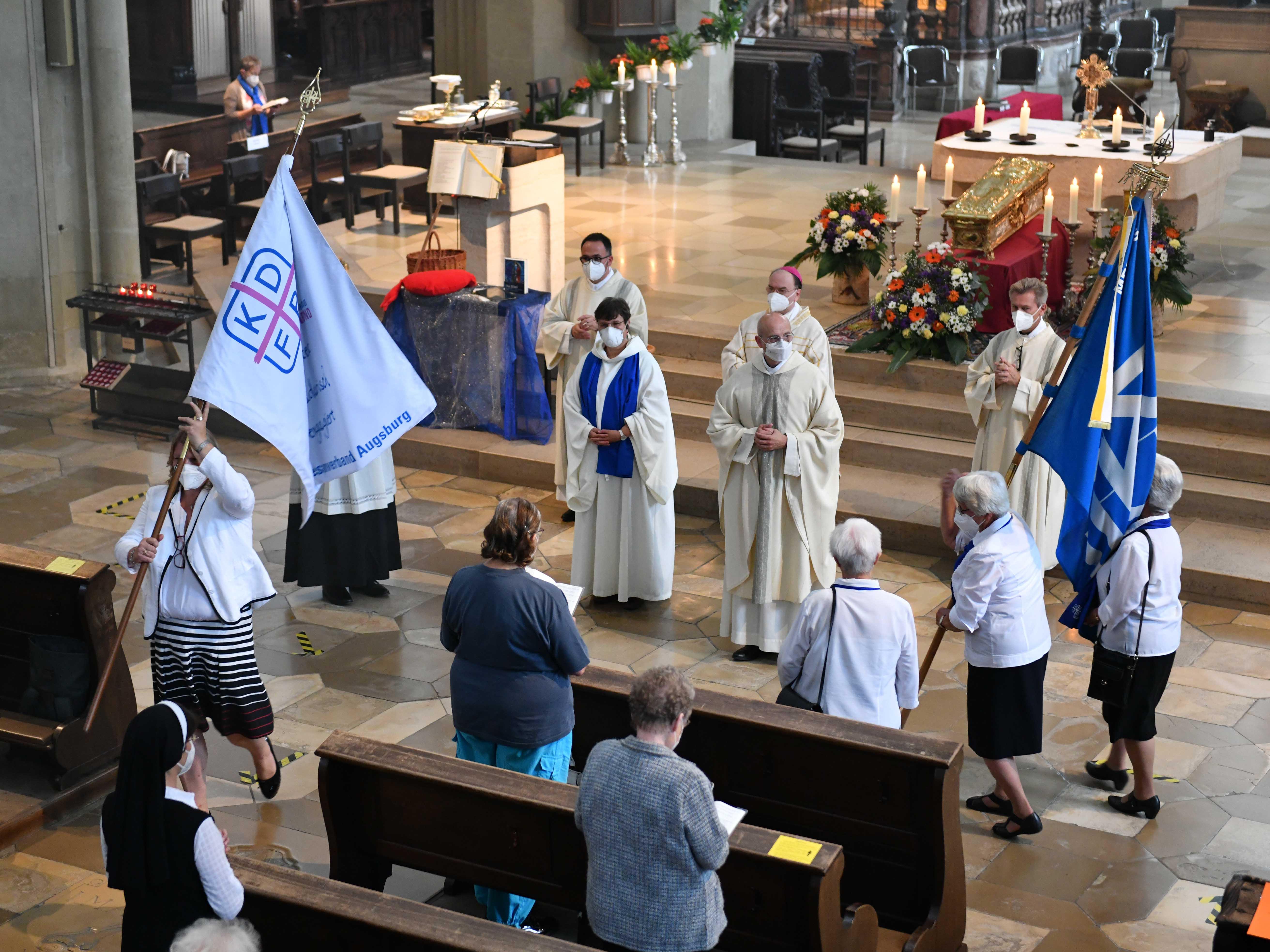 Den Gottesdienst zur traditionellen Frauenwallfahrt am Mittwochmorgen in der Ulrichswoche feierte heuer Bischof Bertram mit den Frauen des KDFB, aus Stadt und Umkreis. (Foto: Maria Steber / pba)