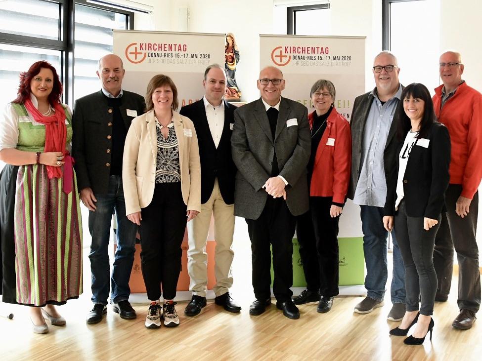 Die Steuerungsgruppe des regionalen Ökumenischen Kirchentags 2020 im Donau-Ries. (Foto: Steuerungsgruppe)