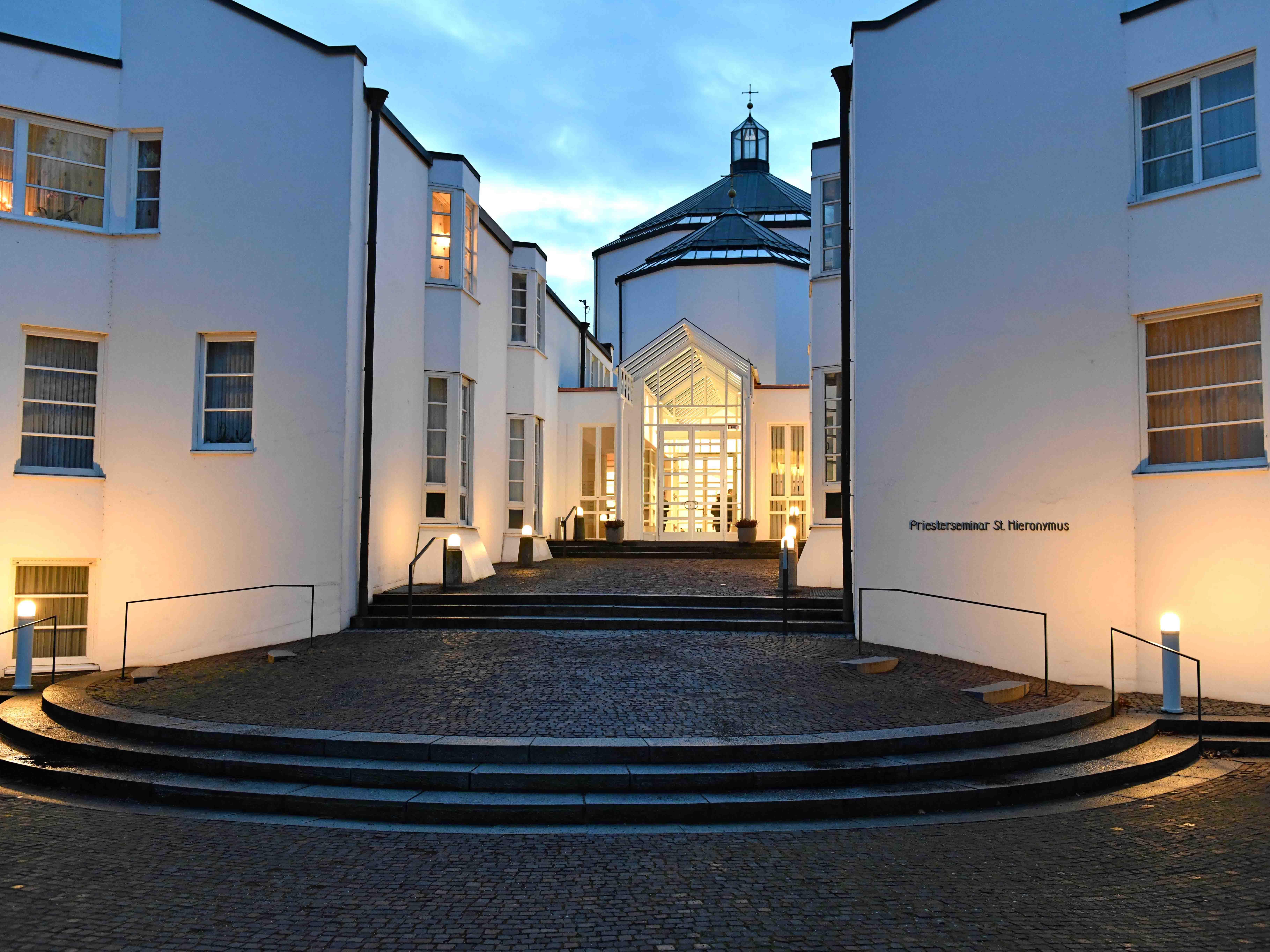 Das Priesterseminar St. Hieronymus in Augsburg entstand in den Jahren 1982 bis 1986 ebenfalls nach von Brancas Entwürfen. (Foto: Nicolas Schnall / pba)