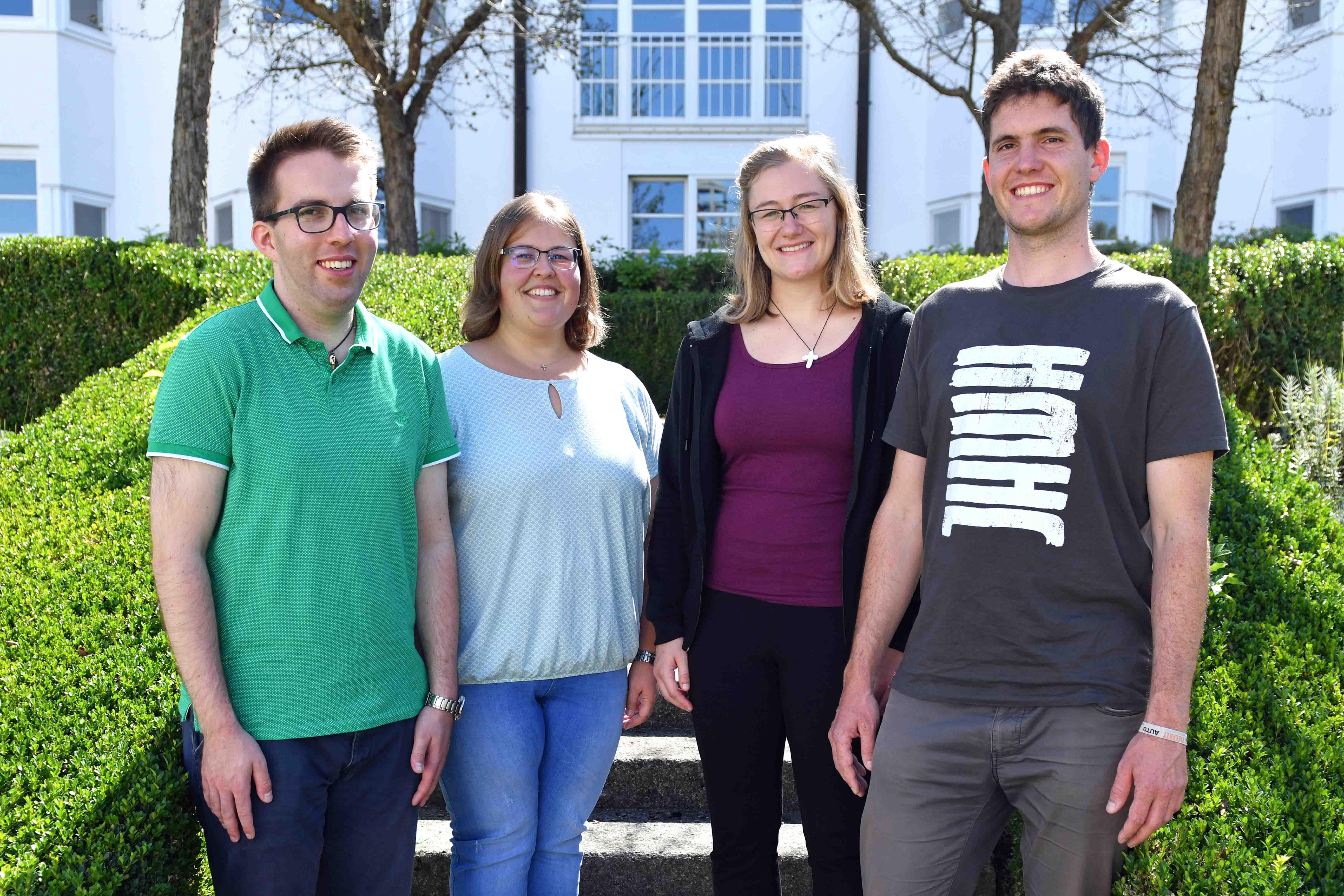 Die neuen Pastoralassistenten (v.l.) Patrick Lindermüller, Marina Sommerstorfer, Michaela Hertl und Matthias Daufratshofer. (Foto: Nicolas Schnall / pba)