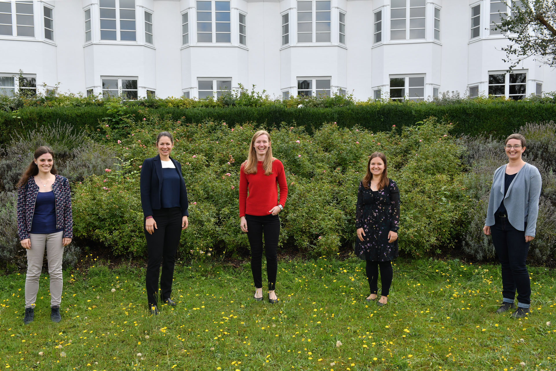Die neuen Pastoralassistentinnen (v.l.): Ruth Hoffmann, Sandra-Maria Lernbecker, Anna-Maria Weber, Simone Kast, Marie-Kathrin Zylka