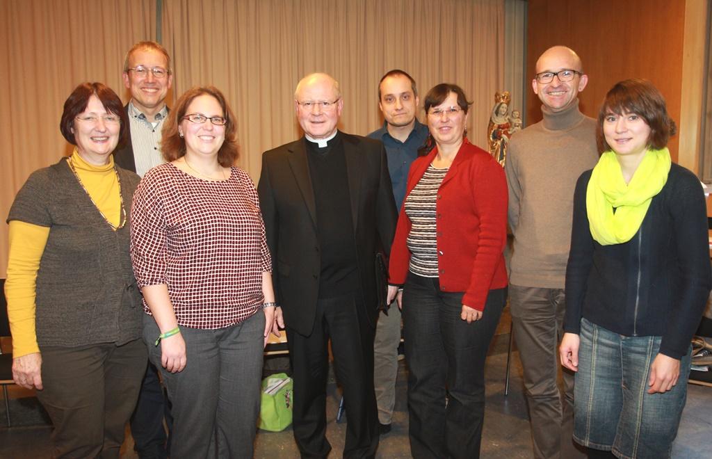 Bischof Konrad gemeinsam mit dem Vorstand der Berufsgruppe der Pastoralreferentinnen und Pastoralreferenten. (Foto: Annette Zoepf)