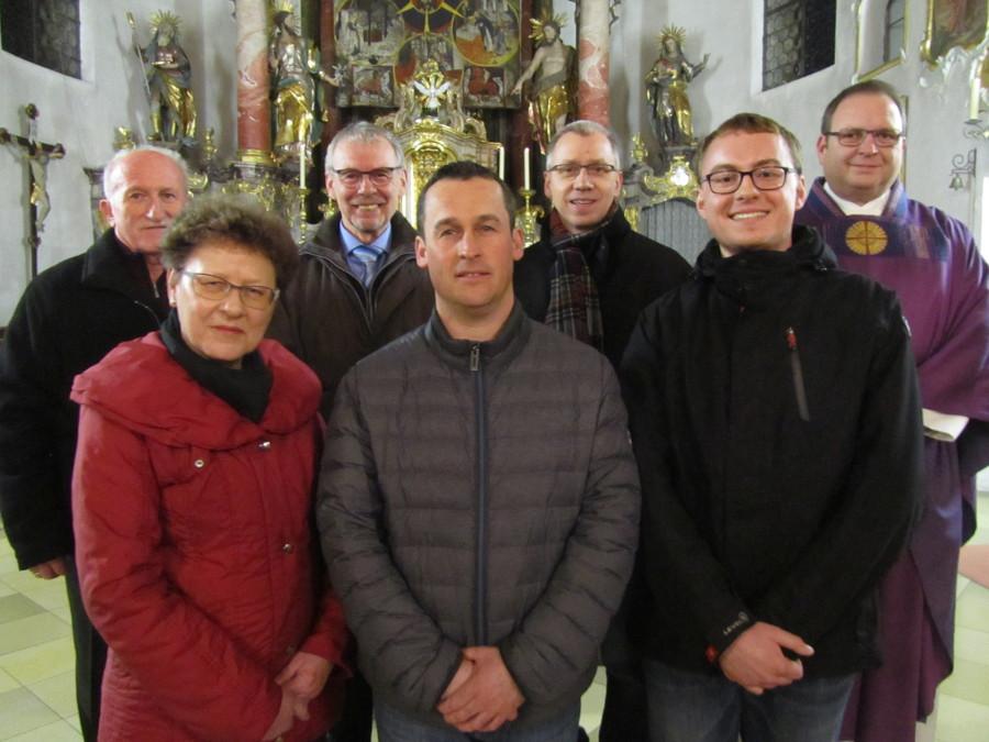 von links: Steppich, Kimmel, Büchele, Asam, Losleben, Kruck, Pfarrer Krammer