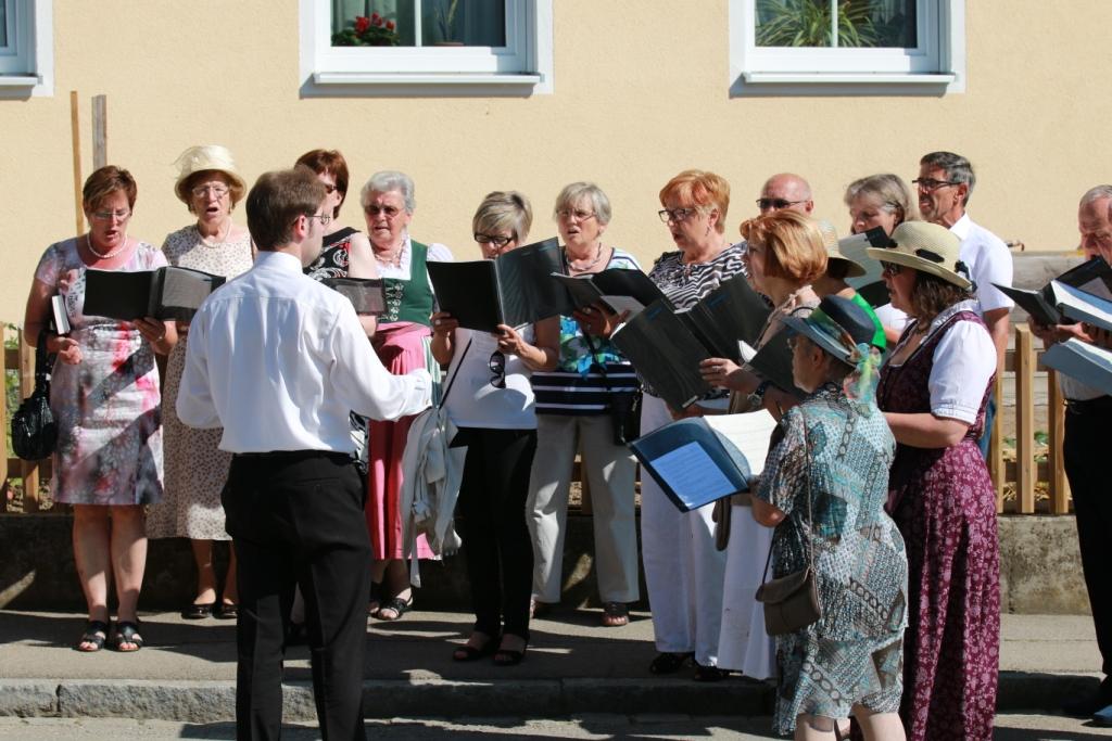 Kirchenchor an Fronleichnam