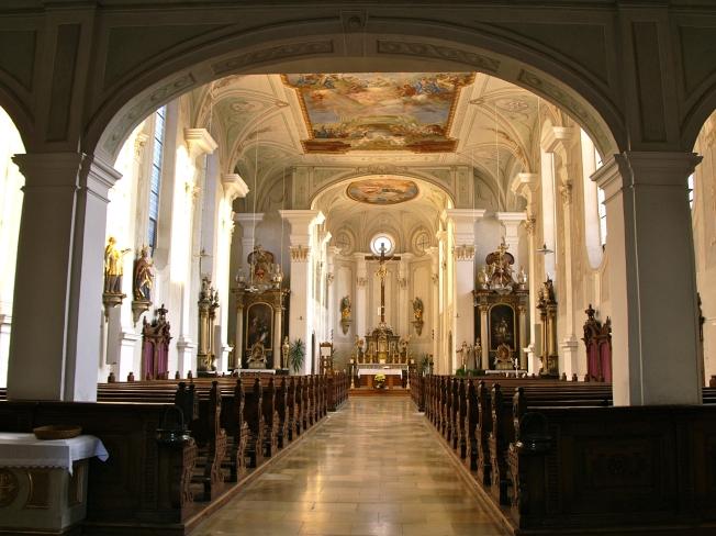 Innenansicht der Augustinerkirche zu Lauingen