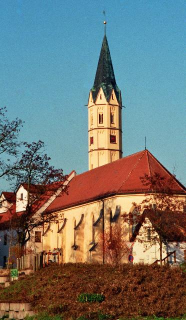 Die Spitalkirche St. Albanus an der Lauinger Donaubrücke