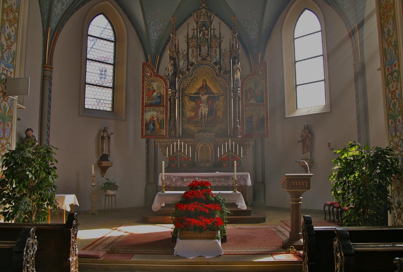 Der Hochaltar der Spitalkirche in Lauingen